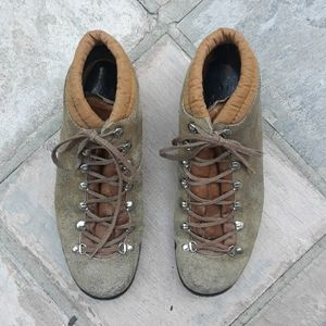 Vtg Vibram lowa suede/ leather Hiking boots 7.5